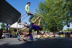 L'art de cirque en après-midi. Photo par Sébastien Lavallée -  info@sebastienlavallee.com