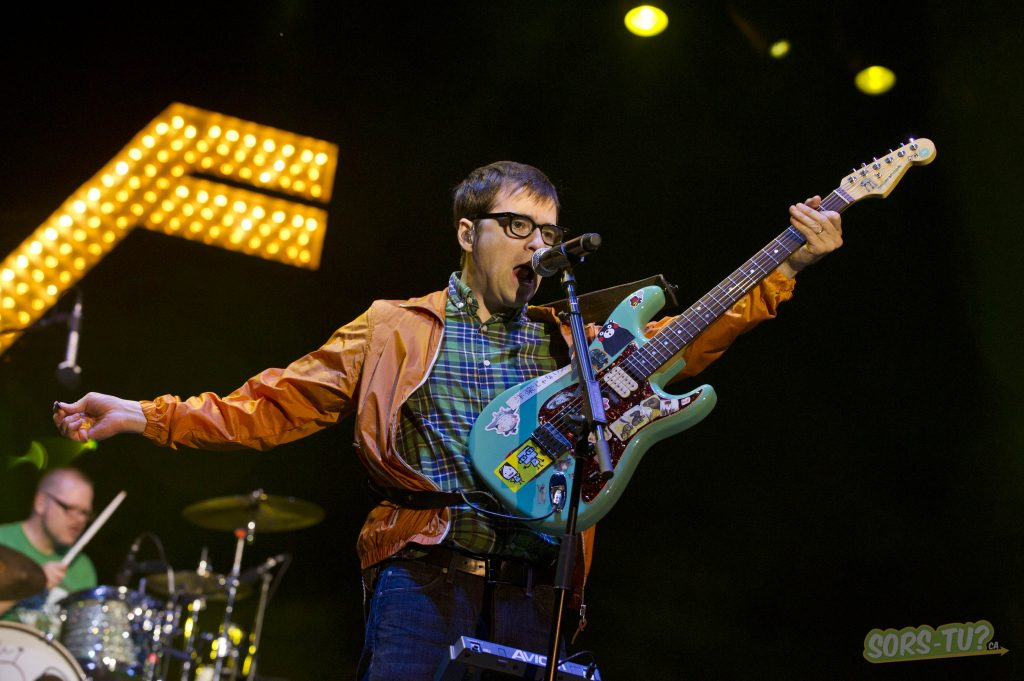 Weezer-Ottawa-Bluesfest-2013-03