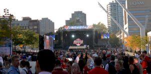 Compte-rendu   Kings of Leon sur la Place des Festivals (NHL Faceoff 2013)