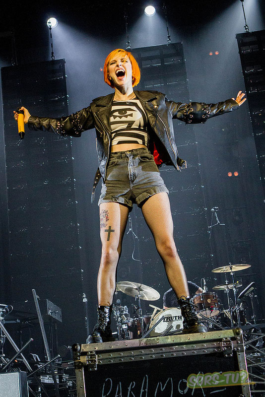 paramore_centre bell_2013_02