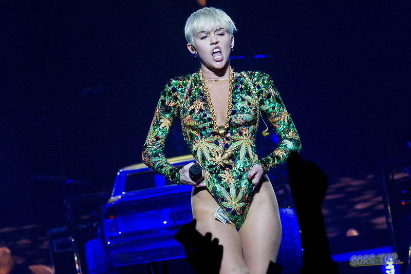 miley cyrus_centre bell_2014_01