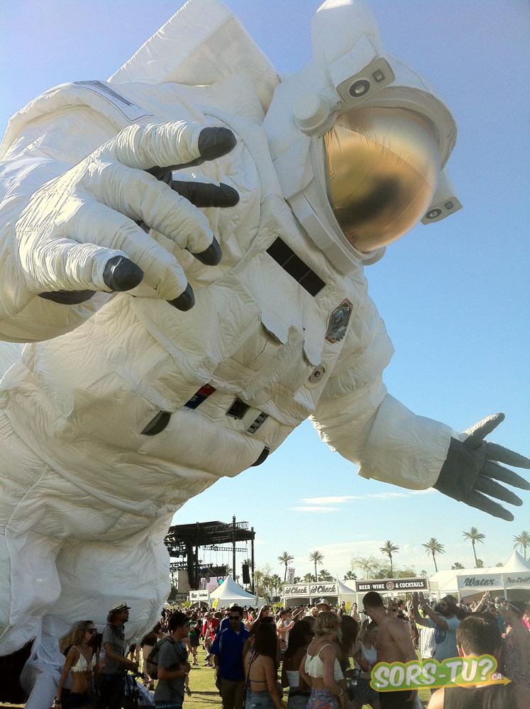 coachella-2014-astronaute