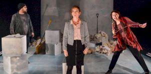 Critique théâtre | Billy (The Days of Howling) à La Chapelle