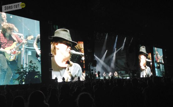 wayhome-2015-neil-young-01