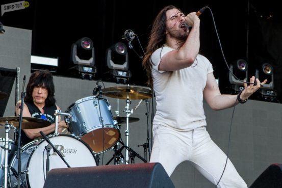 Andrew WK (chant) et Marky Ramone (batterie). Photo par Karine Jacques.