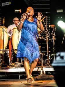Sharon-Jones-FIJM-Montreal-2016-crSLoiselle-1520-2