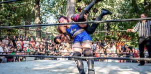 Heavy Mania | 18 photos de la lutte à Heavy Montréal 2016