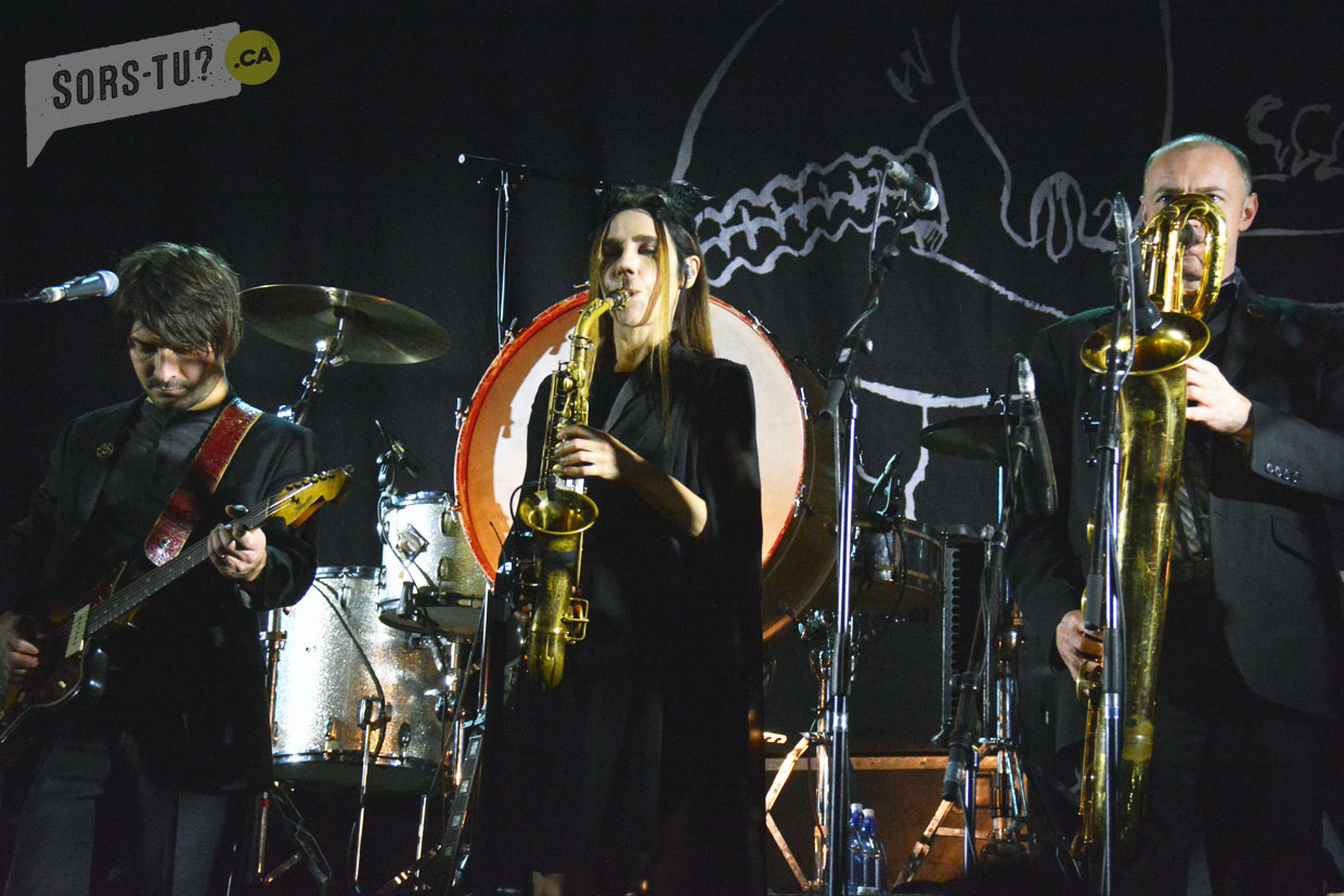 pj-harvey-iceland-airwaves-2016-03