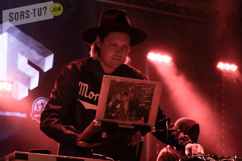 DJ-Windows-98-OUMF-2017-01
