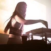 Red Bull Music Festival - Jour 1 | Marie Davidson et sa propre recette