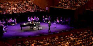 POP Montréal 2019 – Jour 3 | Nick Cave à l'Église St-Jean-Baptiste : Musique et conversation avec le génie ténébreux