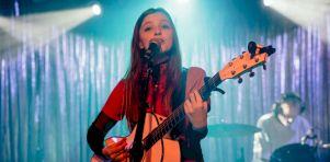 Jade Bird au Théâtre Fairmount | Sincérité et maturité
