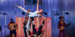 MONTRÉAL COMPLÈTEMENT CiRQUE 2021 | Le Cirque Alfonse lance les festivités avec Animal [21 photos]
