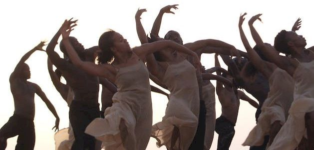 Dancing at Dusk : Un moment avec Pina Bausch - Le Sacre du printemps