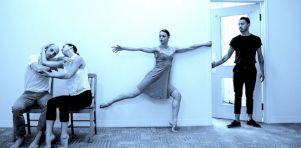 Blue Dependance à la Place des Arts| Eva Kolarova et la dépendance sous toutes ses formes