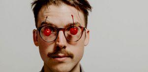 Entrevue avec Simon Daniel | L'oiseau de nuit venu de l'Acadie