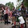 Intermède bluegrass entre Busty & The Bass et The Cat Empire