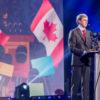 Le premier ministre du Canada, en traduction simultanée par Stéphane Bureau